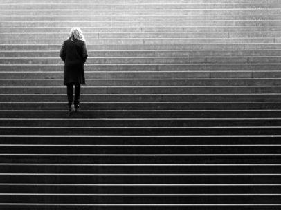 isolement-solitude-seul-souffrir-isoler